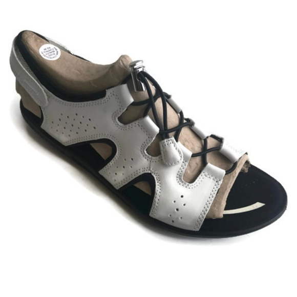 c96281c107fa ECCO Womens BLUMA TOGGLE SANDAL White Size 9-9.5